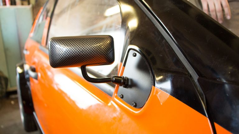 """Carbon"" rear mirrors."