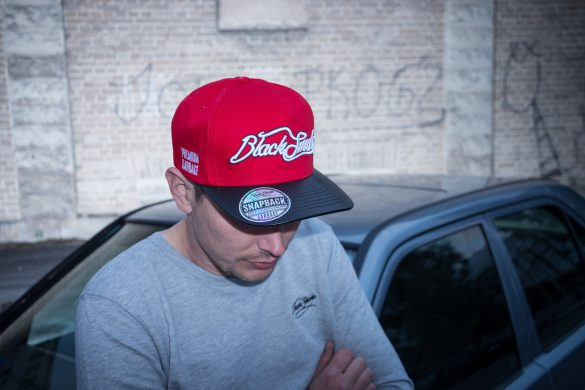 Black_Smoke_Snapback_Red_Black-5267